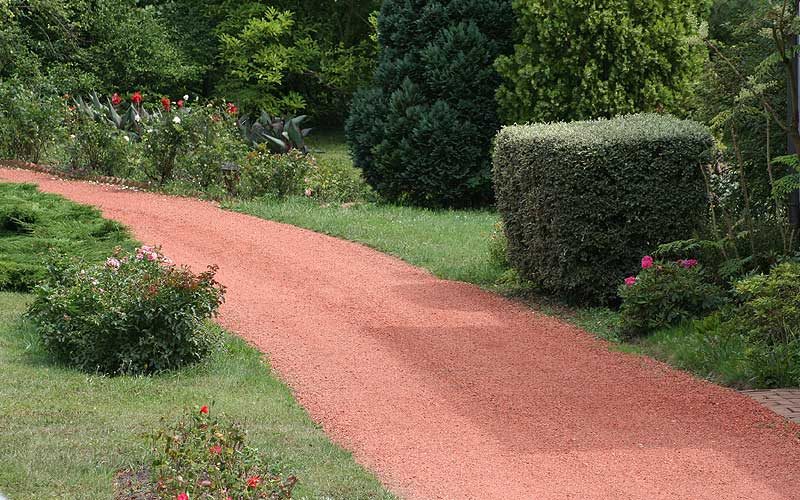 Paysages allees de jardin gravillons terre cuite nos for Decoration jardin terre cuite